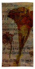 10363 Trumpet Flower On Music Sheet Hand Towel