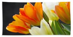Hand Towel featuring the photograph Tulips by Marilyn Wilson