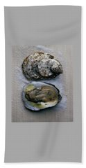 Two Oysters Bath Towel