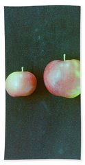 Two Red Apples Bath Towel