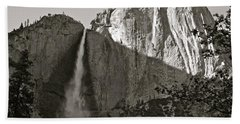 Upper Yosemite Falls Composition In Triangles Hand Towel