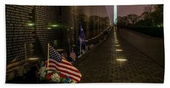 Vietnam Veterans Memorial At Night Bath Towel by Nick Zelinsky