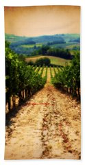 Hand Towel featuring the photograph Vigneto Toscana by Micki Findlay