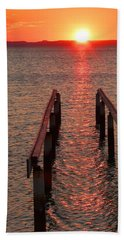 Hand Towel featuring the photograph Walkway To The Sun by Alan Socolik