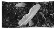 Hand Towel featuring the photograph White Feather by Randi Grace Nilsberg
