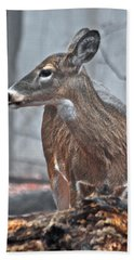 Whitetail On A Foggy Morning Hand Towel