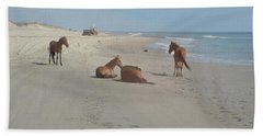 Wild Horses On The Beach Bath Towel