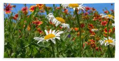 Hand Towel featuring the photograph Wild White Daisies #1 by Robert ONeil