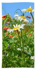 Hand Towel featuring the photograph Wild White Daisies #2 by Robert ONeil