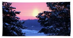 Hand Towel featuring the photograph Winter's Sunrise by Elizabeth Winter
