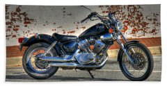 Hand Towel featuring the photograph Yamaha Virago 01 by Andy Lawless