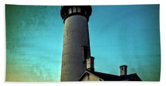Yaquina Head Lighthouse At Sunset Bath Towel