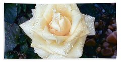 Bath Towel featuring the photograph Yellow Rose At Dawn by Alys Caviness-Gober