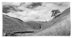 Lone Tree In The Yorkshire Dales Hand Towel
