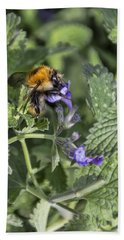 Hand Towel featuring the photograph Bee by David Gleeson