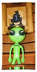 Alien In The Corner Booth Bath Towel