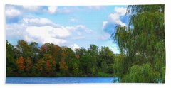 Bath Towel featuring the photograph Autumn At Hoyt Lake by Michael Frank Jr