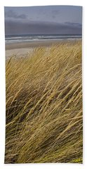Bath Towel featuring the photograph Dune Grass On The Oregon Coast by Mick Anderson