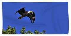 Bath Towel featuring the photograph Eagle Over The Tree Top by Randall Branham