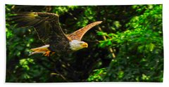 Bath Towel featuring the photograph Eagle Taking Lunch To Her Babies by Randall Branham