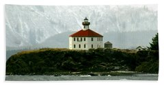 Bath Towel featuring the photograph Eldred Rock Lighthouse by Myrna Bradshaw