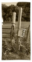 Hand Towel featuring the photograph Fence Post by Jennifer Ancker