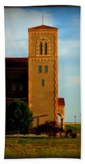 Hand Towel featuring the photograph Kansas Architecture by Jeanette C Landstrom