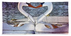 Hand Towel featuring the photograph Kissing Swans by Alice Gipson