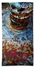 Hand Towel featuring the photograph Metallic Fluid by Pedro Cardona