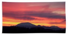 Hand Towel featuring the photograph Morning Glow by Chalet Roome-Rigdon