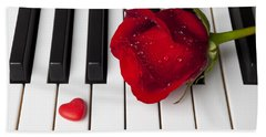 Red Rose And Candy Heart Bath Towel