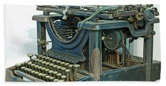 Hand Towel featuring the photograph Remington 11 by Kay Lovingood