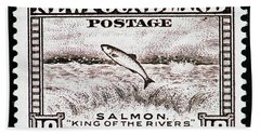 Bath Towel featuring the photograph Salmon King Of The Rivers by Andy Prendy