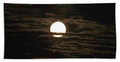 Bath Towel featuring the photograph Seneca Lake Moon by William Norton
