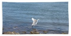 Hand Towel featuring the photograph Snowy Egret by Marilyn Wilson