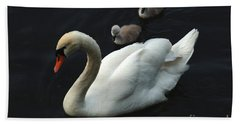Swan Family 1 Hand Towel