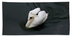Hand Towel featuring the photograph Swan On Black Water by Les Palenik