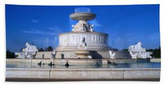 Hand Towel featuring the photograph The Belle Isle Scott Fountain by Gordon Dean II