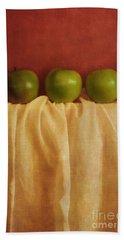 Trois Pommes Bath Towel