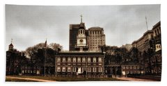 View Of Independence Hall In Philadelphia Bath Towel