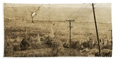 Vintage View Of Ontario Fields Bath Towel