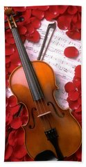 Violin On Sheet Music With Rose Petals Bath Towel