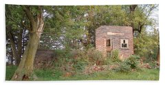 Hand Towel featuring the photograph Walnut Grove School Ruins by Bonfire Photography