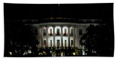 Bath Towel featuring the photograph White House In December by Suzanne Stout