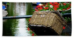 Wicker Bike Basket With Flowers Bath Towel
