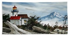 Point Robinson Lighthouse And Mt. Rainier Hand Towel