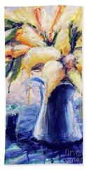Hand Towel featuring the painting 01353 Daffodils by AnneKarin Glass