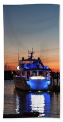 Bath Towel featuring the photograph An Evening In Newport Rhode Island by Suzanne Gaff
