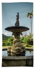 Hand Towel featuring the photograph Classic Fountain by Carlos Caetano