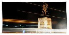 Drake's Statue Traffic Trails Iv Bath Towel